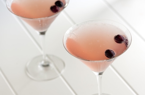 Low Calorie Holiday Cocktails Champagne-Cosmopolitan-Cocktail