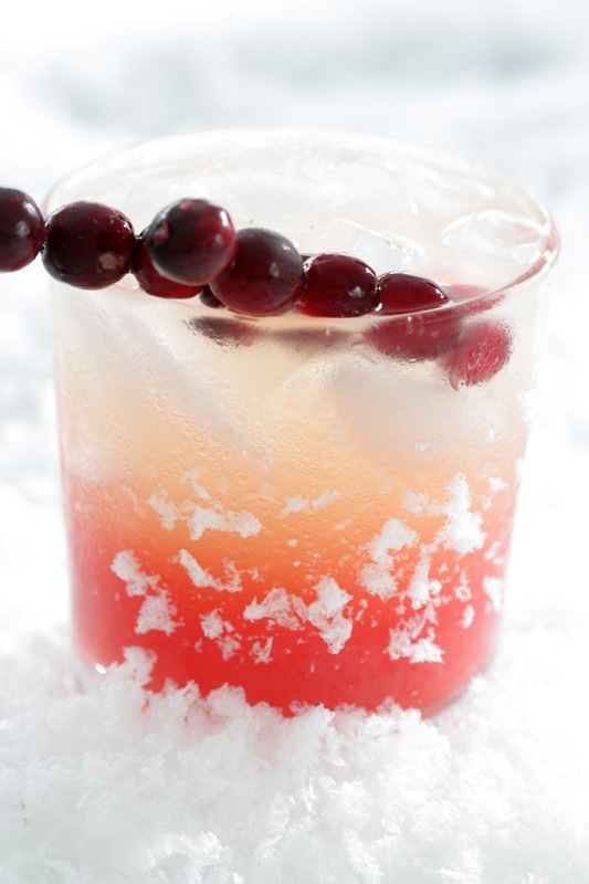 20 winter drinks and cocktails Seasonal Skinny Cocktail: Cranberry + Vanilla