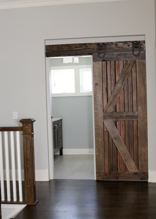 farmhouse chic sliding barn doors so chic life. Black Bedroom Furniture Sets. Home Design Ideas